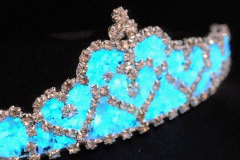 Glow jewellery